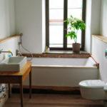 Edle Badgestaltung mit Recycling-Brettern