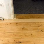 Fußböden und Türen mit neuem Anstrich