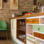 Schubladenschrank und Regal